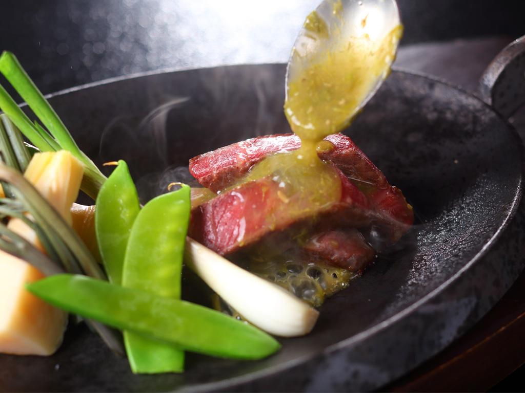 新潟県産牛 ももロースト 蕗の薹の香り