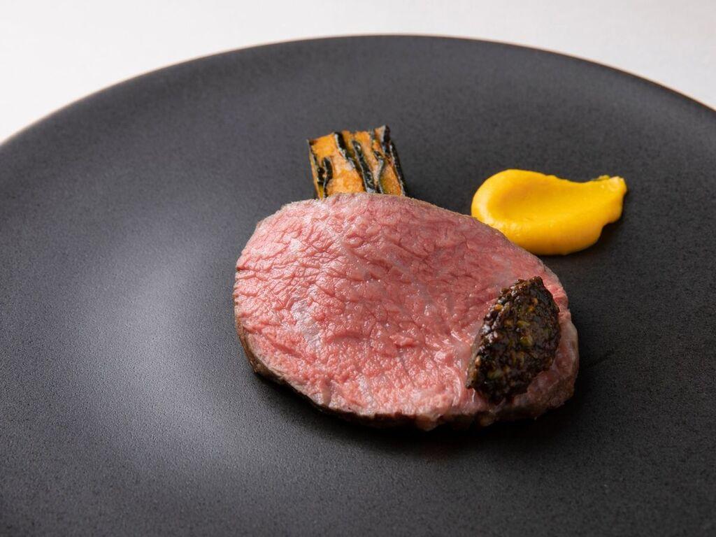 〜大自然〜神戸牛・夏野菜 世界に誇るブランド牛「神戸ビーフ」をじっくりローストに。