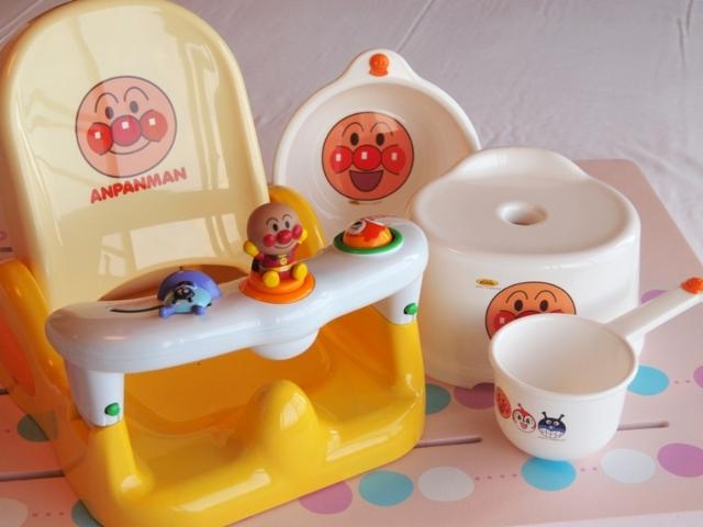お風呂には子供用イス・手桶などをご用意。