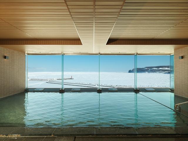 【大浴場】流氷時期には一面の流氷が大浴場から!冬の醍醐味!