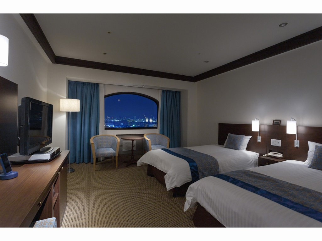 スタンダードツインルーム(28.0平米) ※窓からの眺望写真はイメージです。