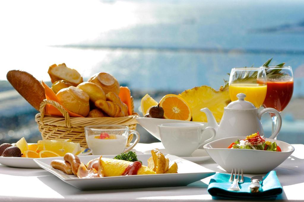 プラザの朝食は和洋食のバイキング