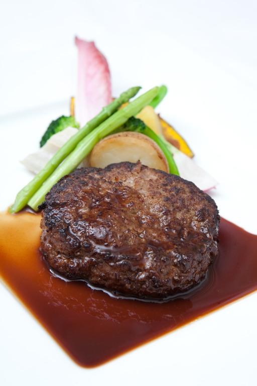 神戸牛ハンバーグ(食事イメージ)