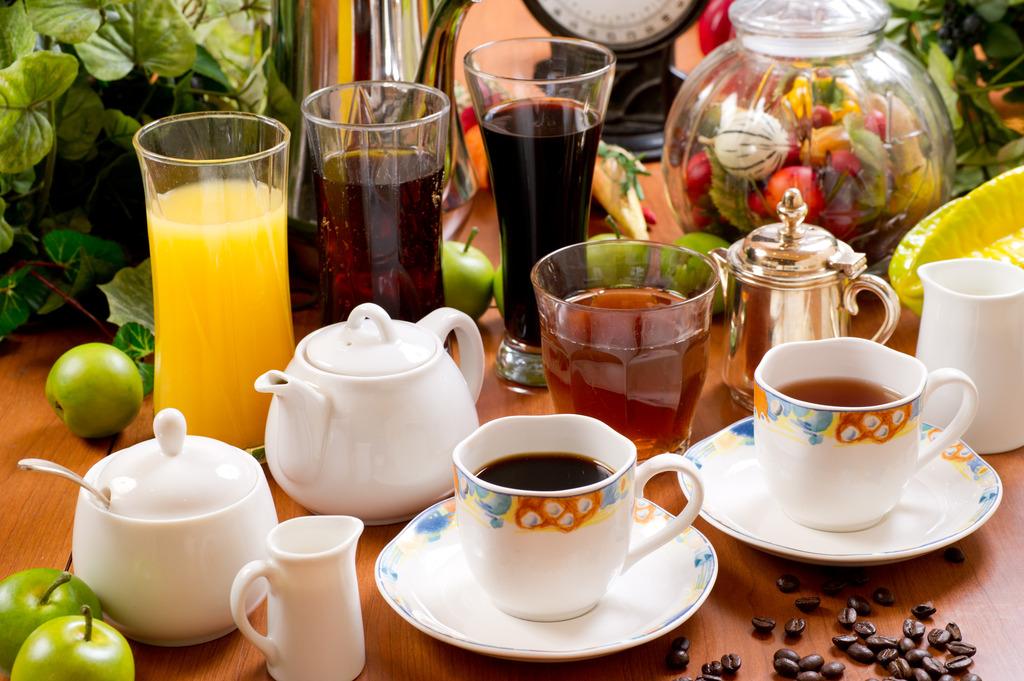 コーヒー・紅茶・ソフトドリンク多数取り揃えております(セルフサービス)