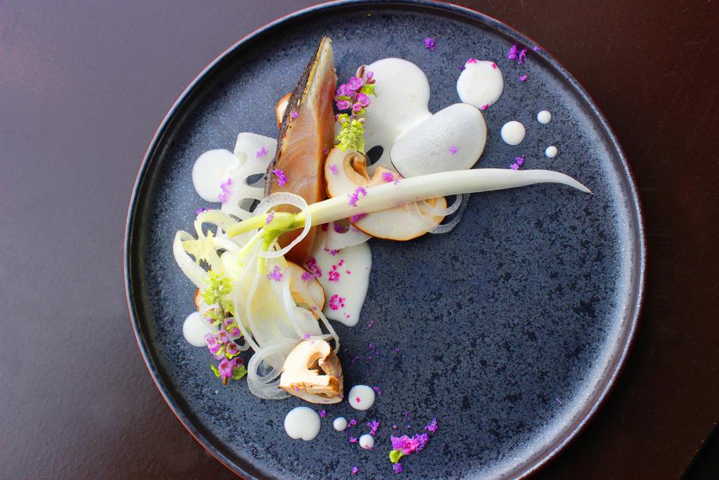 寒鰆の炙り 聖護院大根のビネグリット 椎茸と蓮根のサラダ添え