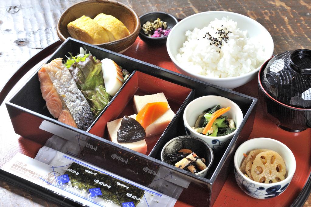 Ex:Japanese Breakfast