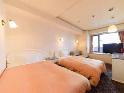 *【ツイン】25平米。ベッド幅110cm×2。