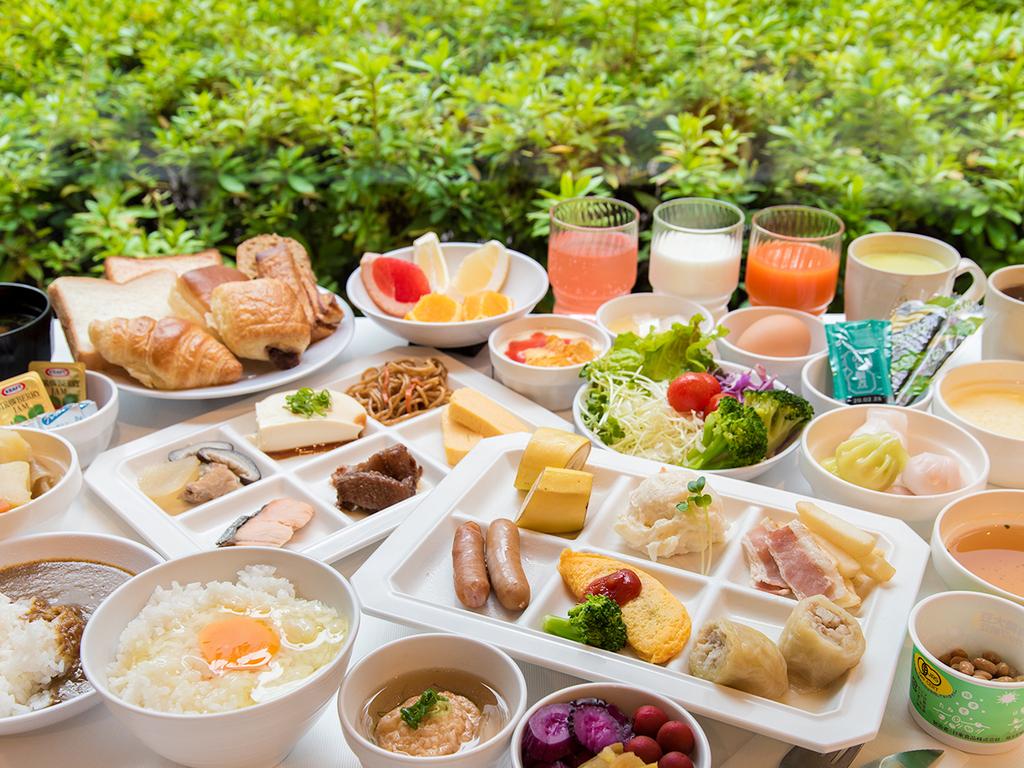 *【朝食ブッフェ】65種類以上の品目でお届