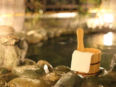 ホテルから徒歩約5分の温浴施設『岩塩温泉  りんくうの湯』