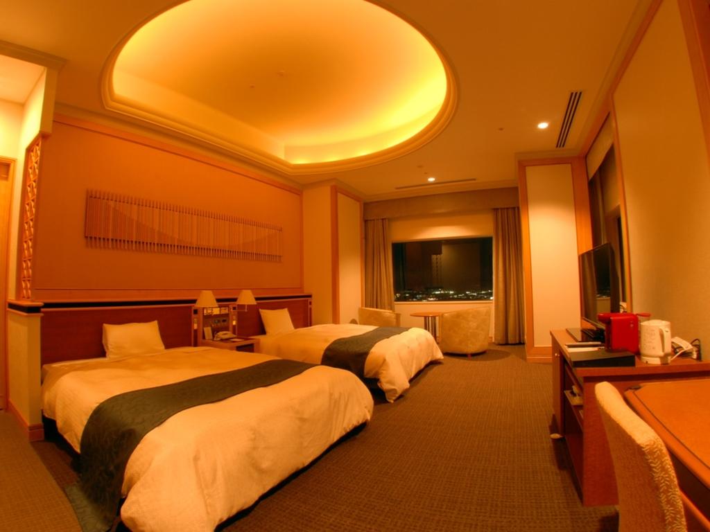 インルームフレンチディナー インペリアルスイートステイ(夕朝食&特典付) 客室50階のスイートルーム
