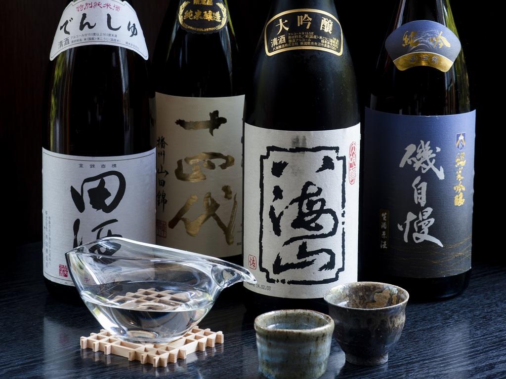 日本酒飲みくらべイメージ
