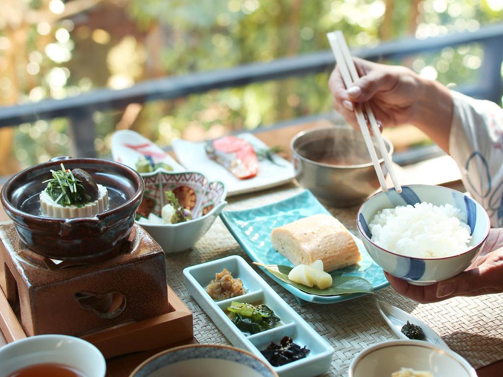 朝食風景の一例