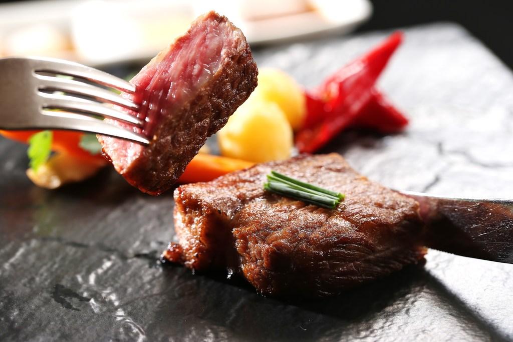 ステーキ食べ比べコース ※イメージ