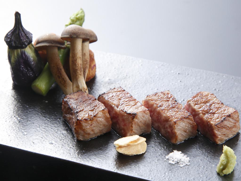 神戸牛ロースステーキ