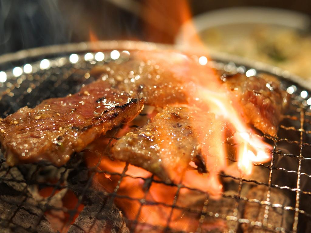 牛カルビ網焼き