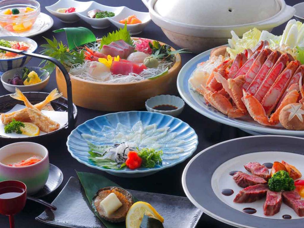 星明り〜ふぐ刺し・若狭牛ステーキ・アワビ陶板焼き・カニすき鍋(大なべ)