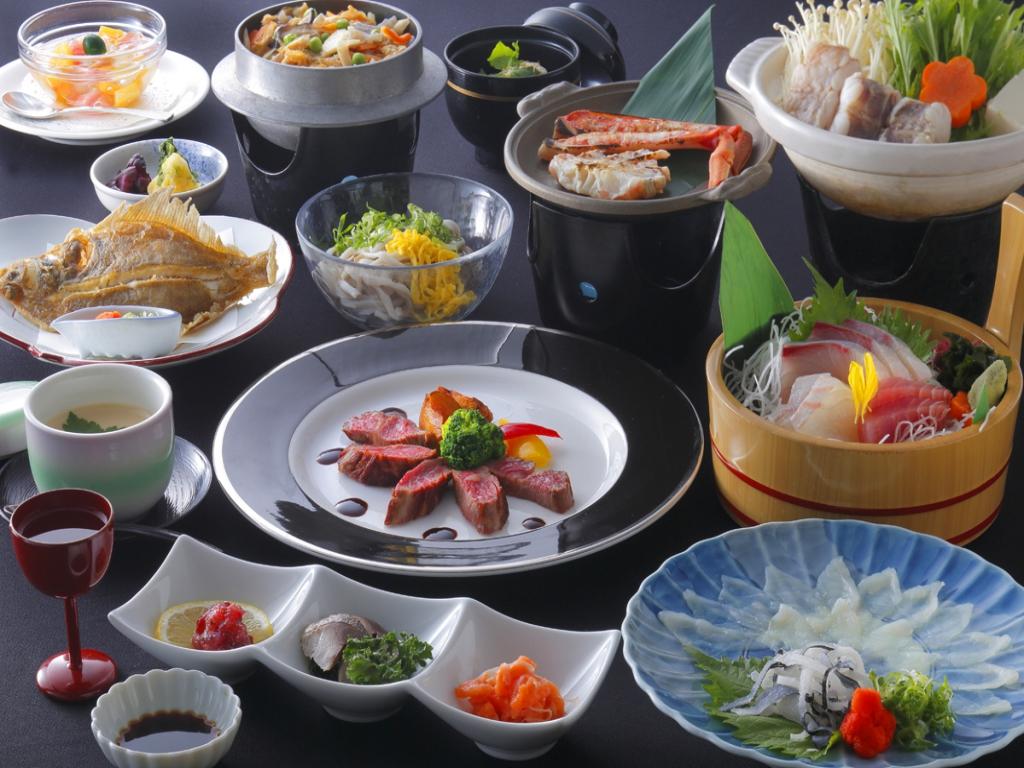 水郷〜すいきょう〜ふぐ刺し・カニ陶板焼き・カレイ唐揚げ・若狭牛ステーキ
