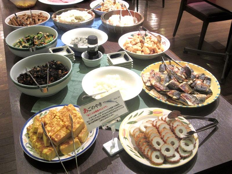 【ご朝食】毎朝20種類以上の『和洋食バイキング』をご用意しております!