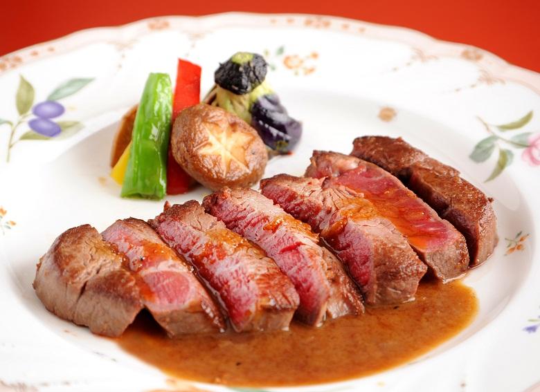 牛ひれステーキ和風ソース(焼き具合ご注文承れます)