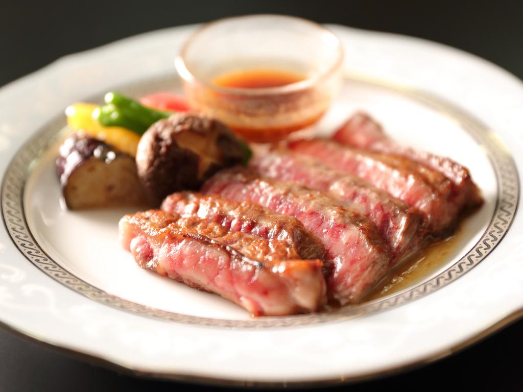 和牛ステーキ(焼き具合ご注文承れます)