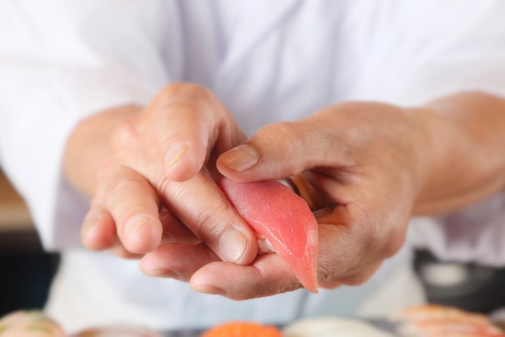 職人が目の前で握る寿司(夕食)