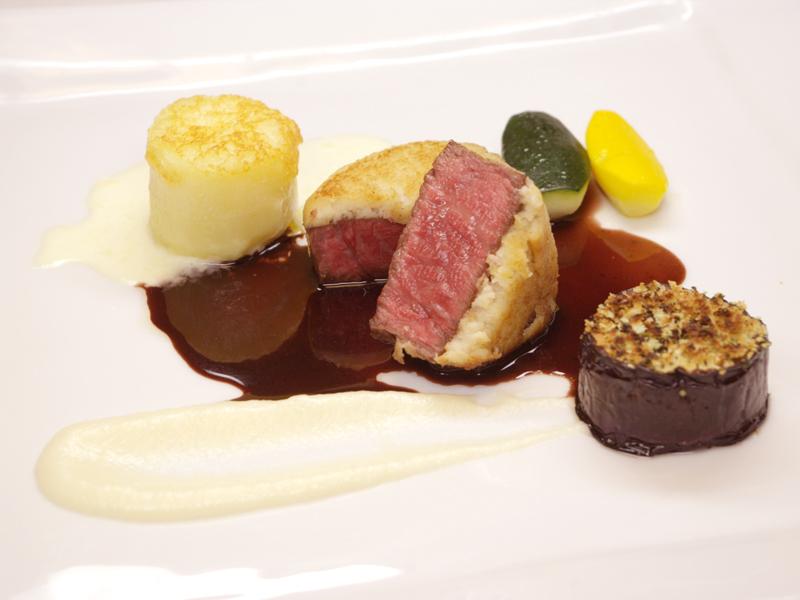 メインの肉料理イメージ
