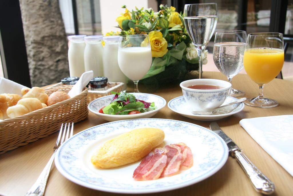 グラース 朝食