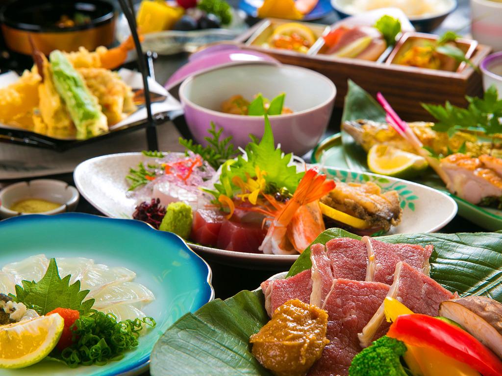 ◆基本会席◆語らいのお食事時間を大切にお愉しみいただけるよう、ご夕食は【お部屋食】♪