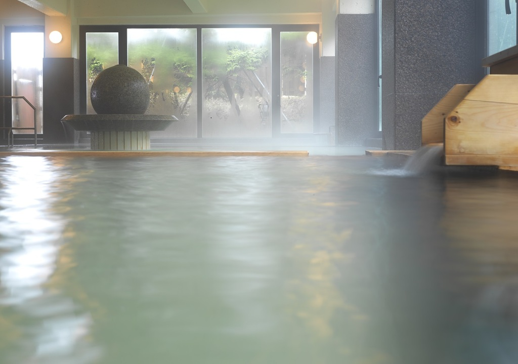 疲れた身体と心を癒す大浴場