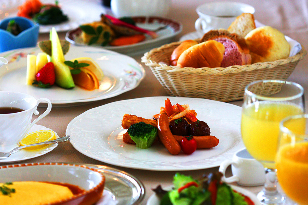 コラーロ 朝食イメージ