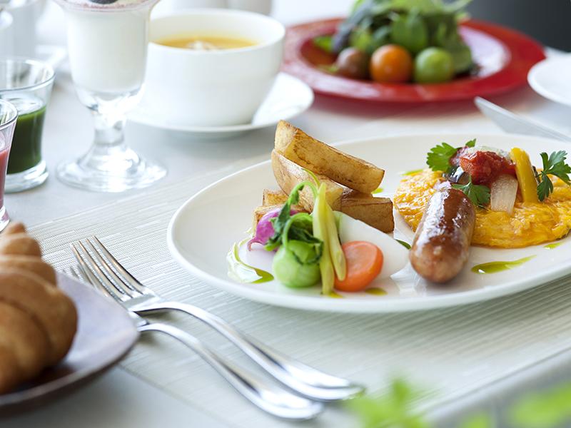 最上階で優雅な朝食をお愉しみください