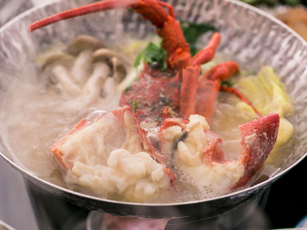 【選べる小鍋】伊勢海老味噌仕立てor金目鯛ゆずみぞれ♪土佐和牛陶板・鰹タタキ付!皿鉢料理プラン