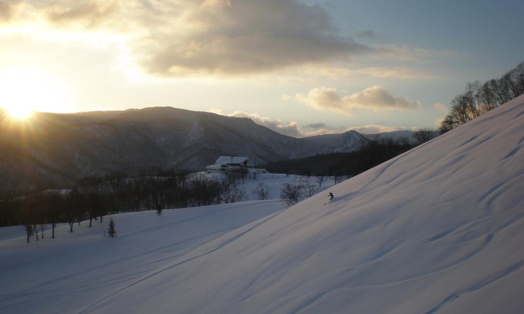 バラエティに富んだ9コース!朝里川温泉スキー場でお楽しみください