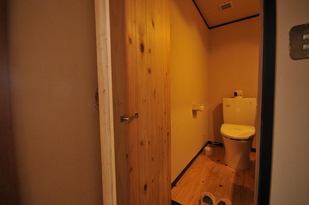 おトイレもナチュラルな雰囲気♪