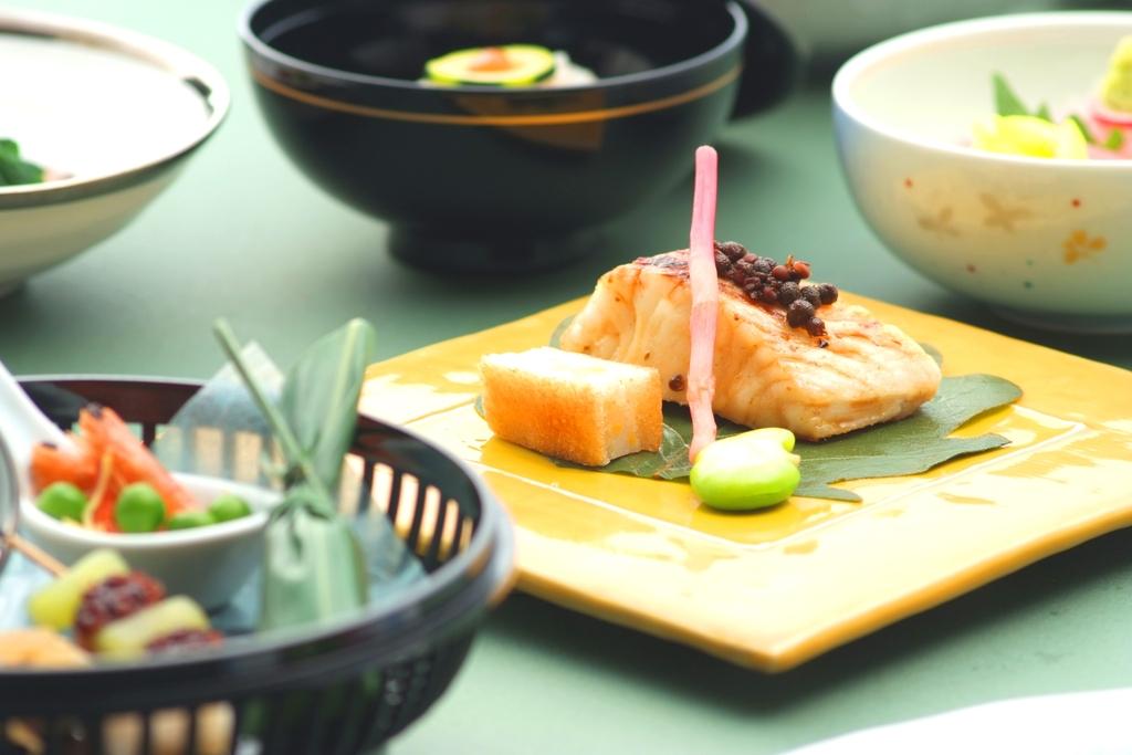 旬の食材を使った会席料理(例)