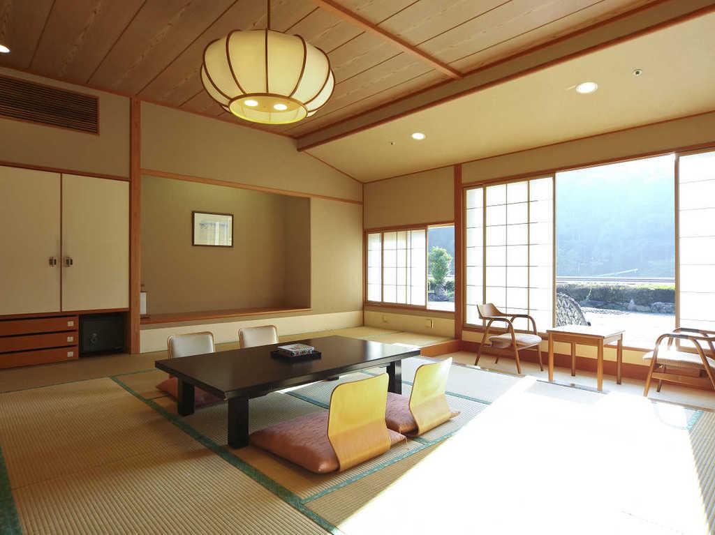 一番人気の新館・清山館客室