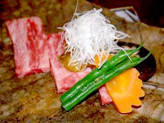 別注料理:上州牛の朴葉焼き。味噌が絶品!!