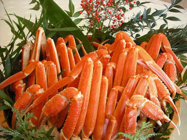 冬グルメ旅♪本ズワイ蟹1890円相当と豪華バイキングをお楽しみください。