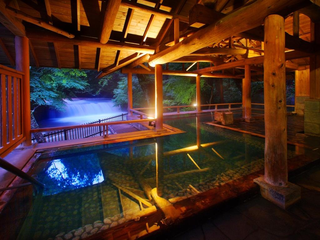 姉妹館・四万たむら滝見の露天風呂「森のこだま」*入浴パスポートが必要です。(有料)