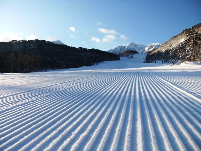 ホテルに最も近い裏磐梯スキー場で上質のパウダースノーをお楽しみください