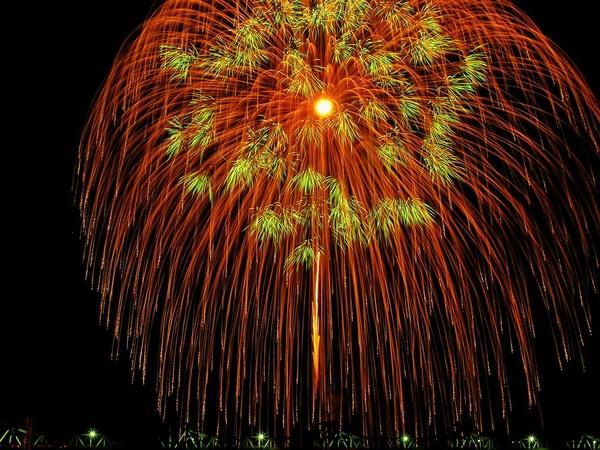 【湯沢温泉夏まつり】8月15日は花火大会です♪