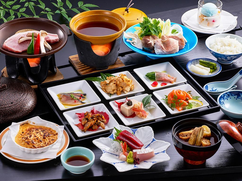 ご夕食は和洋折衷の創作膳をお楽しみください