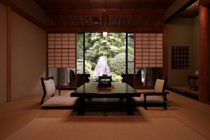 【翠月】8畳+4畳のお部屋