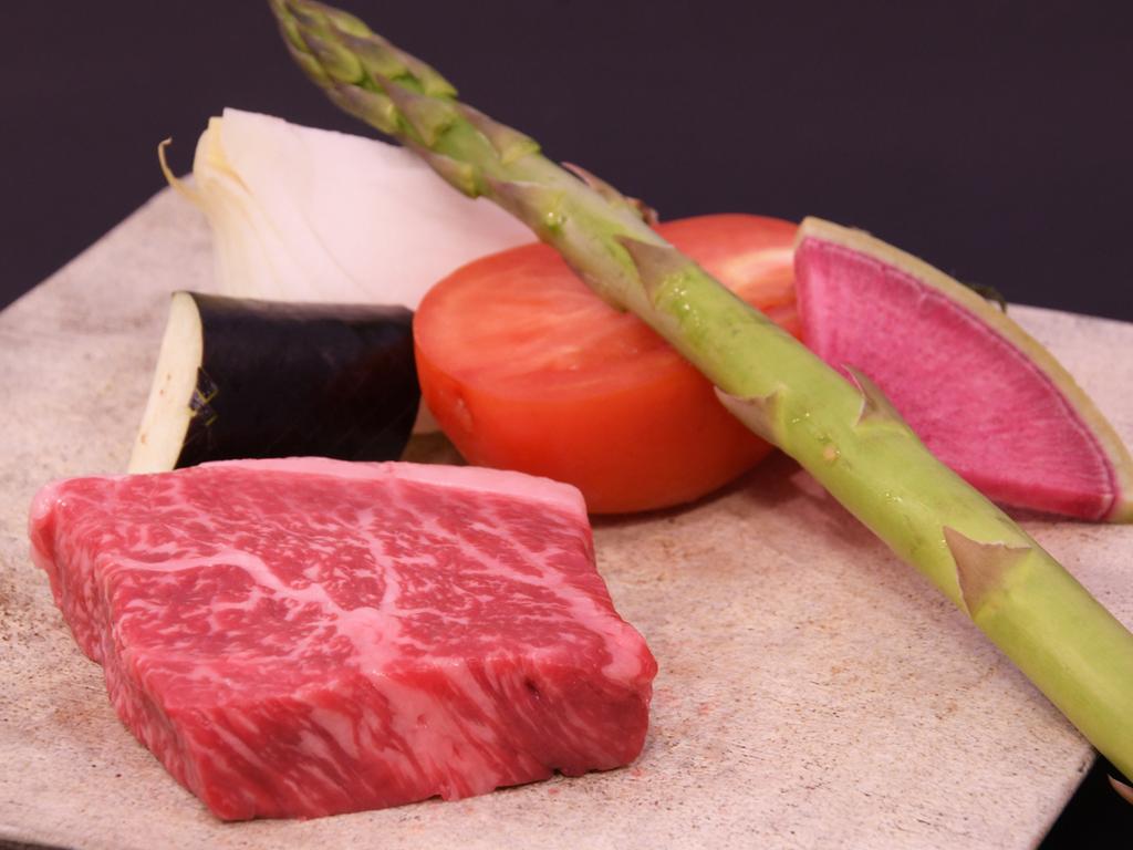 鉄板焼と湯豆腐ランチ(県産牛)