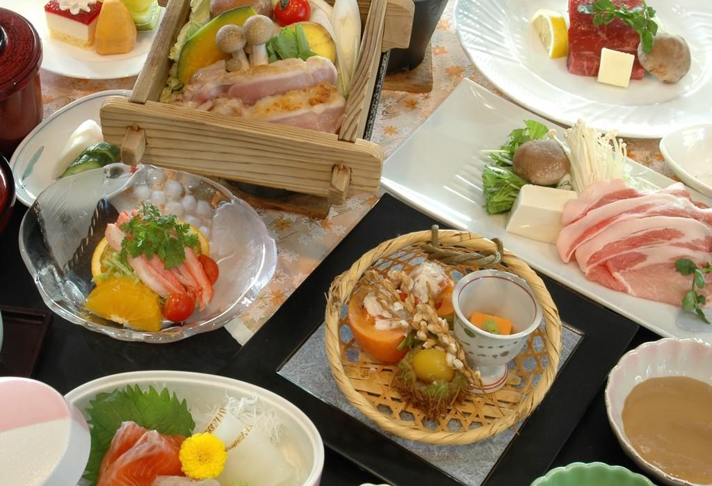 〜甲斐の恵み〜3種のお肉食べ比べプラン(ご夕食イメージ)
