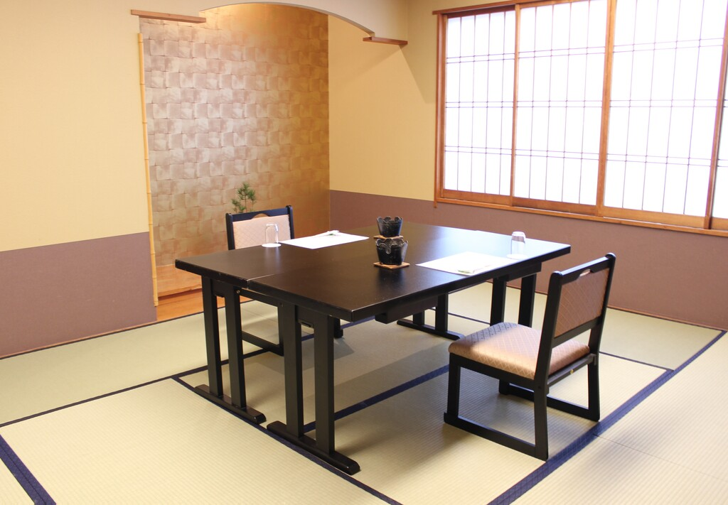 会場の一例(椅子・テーブル席)