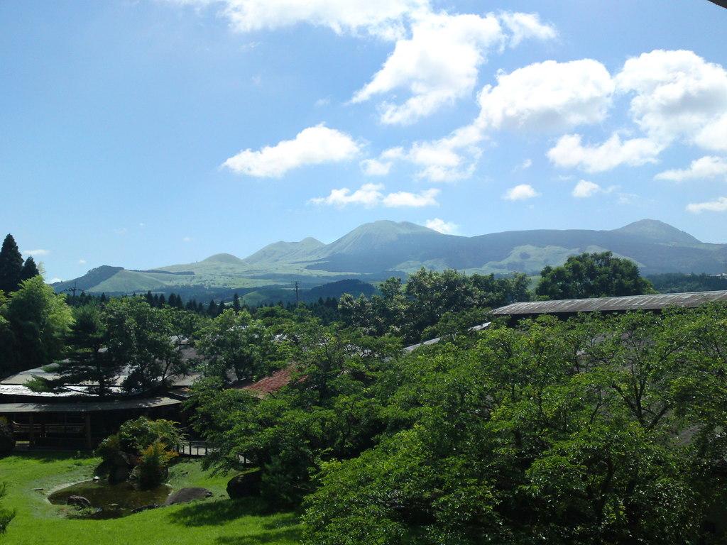 高層階から望む阿蘇の山々