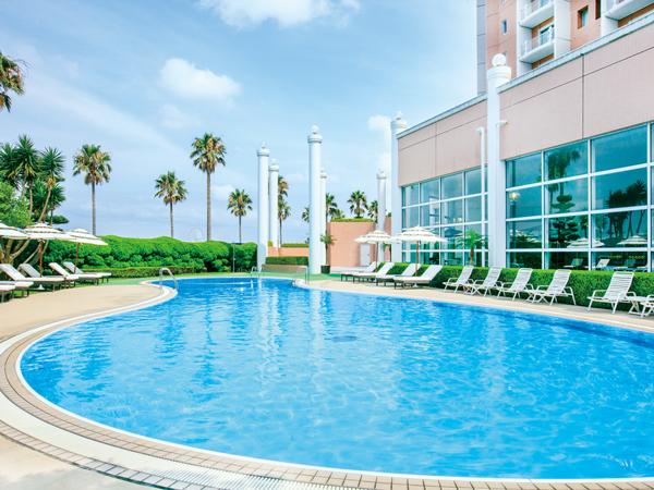 夏季限定オープン リゾート感溢れる屋外プール(イメージ)