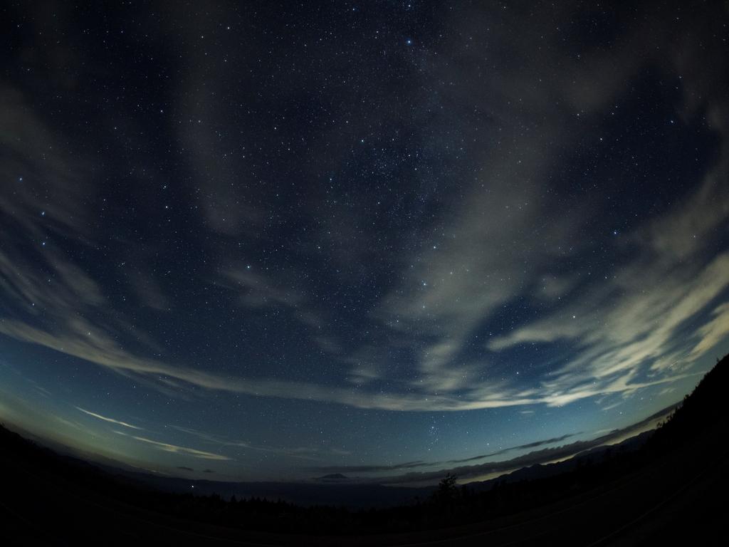 標高1300Mから見上げる星空(イメージ)