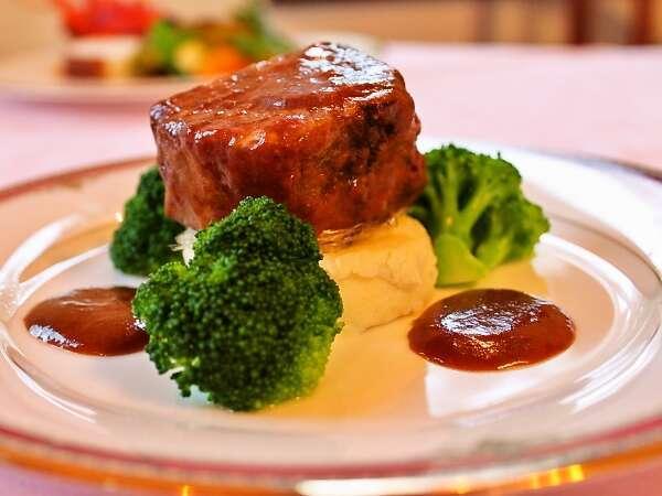 人気ナンバーワンの牛ほほ肉赤ワイン煮